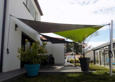 profil-trois-voiles-ombrage-terrasse-angle