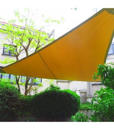 Une voile triangulaire et un mât 4660 x 4000 mm