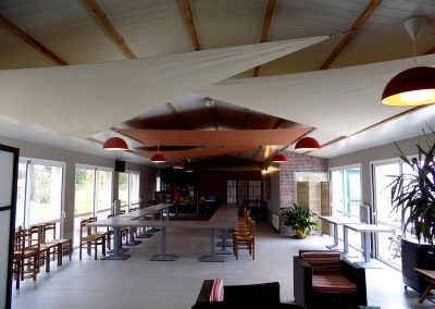 toiles-interieures-triangles-et-trapezes-champagne-cuivre-restaurant-camping-pornic