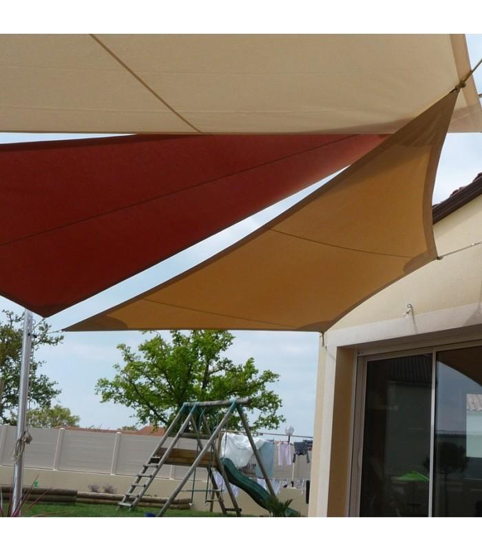 1 trapèze et 2 triangles avec 2 mâts de 8000-4500
