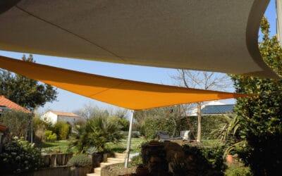 La voile d'ombrage pour un espace extérieur cosy